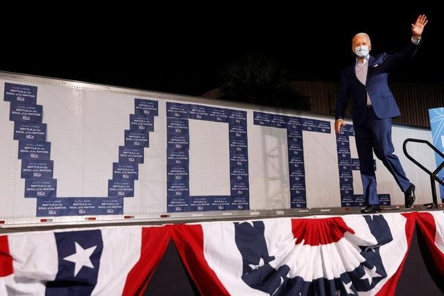 Nóng cuộc đua nước rút của Trump - Biden tại các bang chiến trường - 12