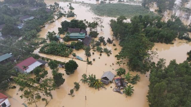 Toàn cảnh vùng rốn lũ huyện nghèo Thanh Chương nhìn từ Flycam - 2