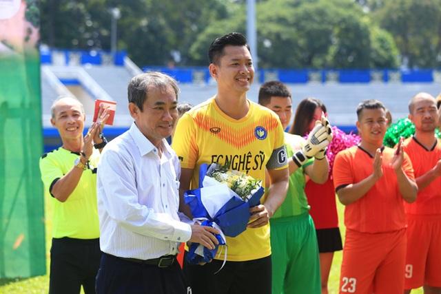 Hồ Đức Vĩnh hào hứng khi đá bóng cùng Tiến Linh, Tài Em - 7