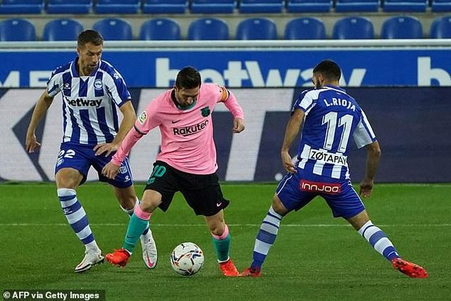 Messi gây thất vọng, Barcelona chia điểm cùng Alaves - 4