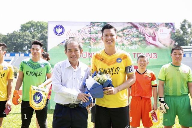 Hồ Đức Vĩnh hào hứng khi đá bóng cùng Tiến Linh, Tài Em - 6