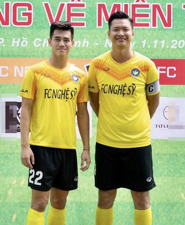 Hồ Đức Vĩnh hào hứng khi đá bóng cùng Tiến Linh, Tài Em - 1