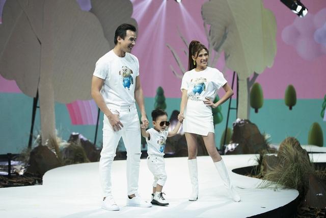 Đoan Trang, Thúy Diễm đưa con lên sàn catwalk - 4