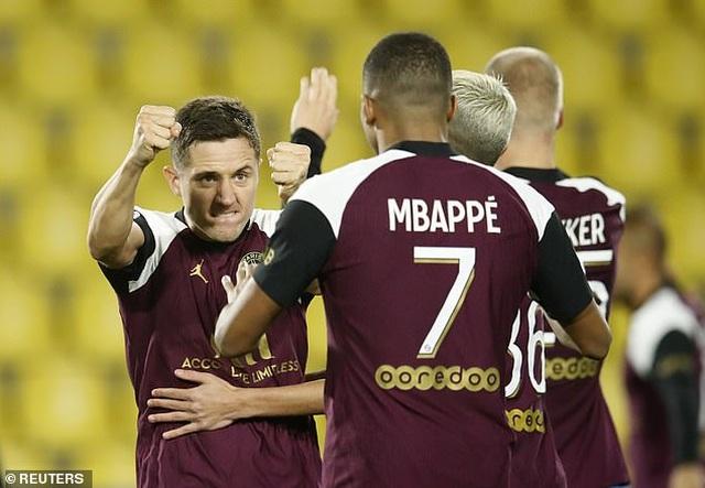 Mbappe tỏa sáng giúp PSG tiếp tục dẫn đầu Ligue 1 - 1