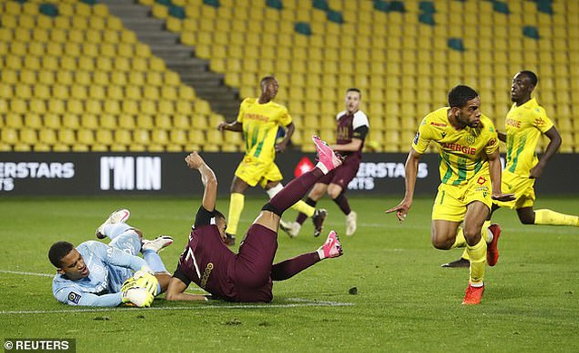 Mbappe tỏa sáng giúp PSG tiếp tục dẫn đầu Ligue 1 - 2