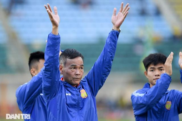 Vé trụ hạng của CLB Nam Định và nỗi buồn cựu vương V-League - 3