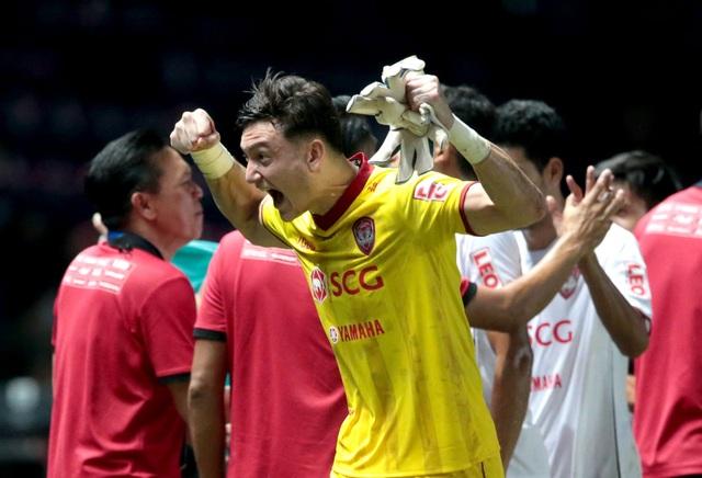Thủ môn Văn Lâm bị loại khỏi danh sách đội tuyển ngôi sao Thai-League - 2