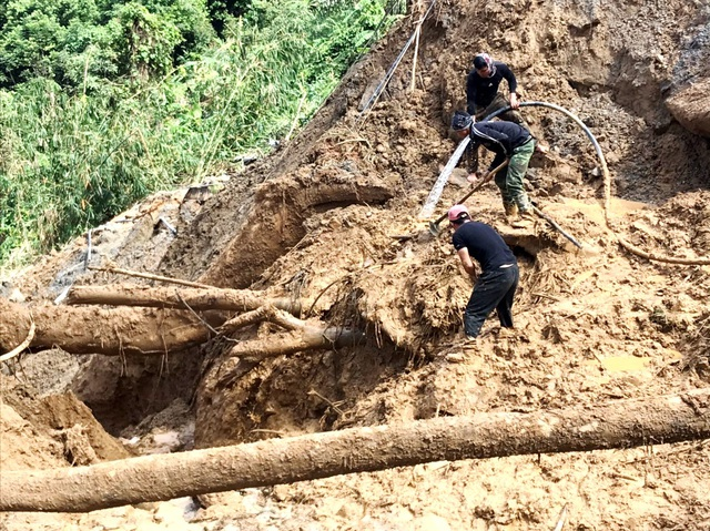 Tìm thấy thêm 2 thi thể ở Phước Sơn, tăng cường tìm kiếm ở Trà Leng - 1