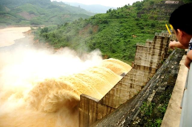 Huyện yêu cầu thủy điện Đăk Mi 4 bồi thường cho dân - 1