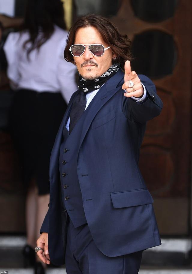 Tòa án kết luận cướp biển Johnny Depp đã đánh vợ - 1