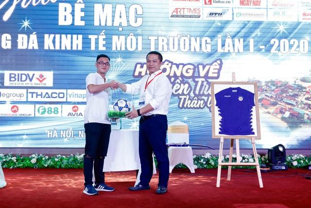 Đội bóng đá báo Dân trí giành giải Khuyến khích cúp Kinh tế Môi trường 2020 - 3