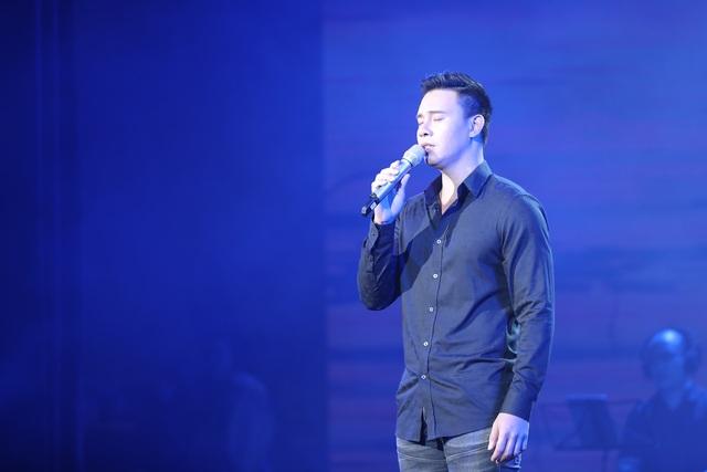 Nghệ sĩ nước mắt lưng tròng khi hát về miền Trung - 5