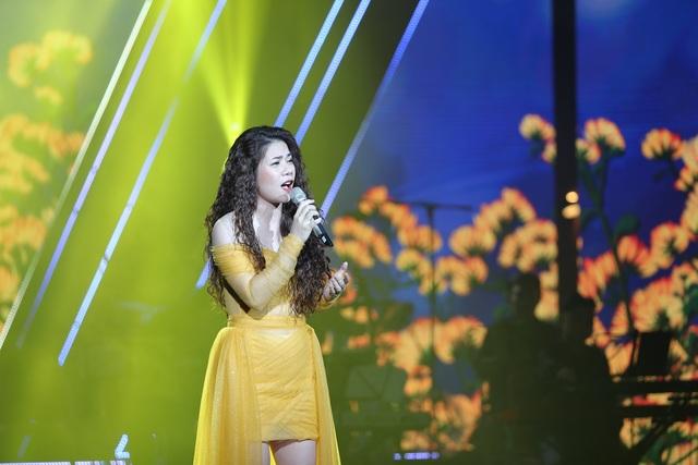 Nghệ sĩ nước mắt lưng tròng khi hát về miền Trung - 9