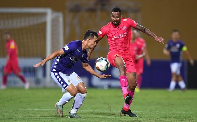 Hai trận cầu quyết định ngôi vô địch V-League 2020 trên sân Hàng Đẫy - 1