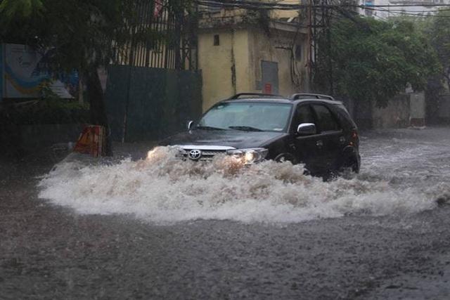 Ô tô bị ngập nước do bão lũ liệu có được bảo hiểm bồi thường? - 2