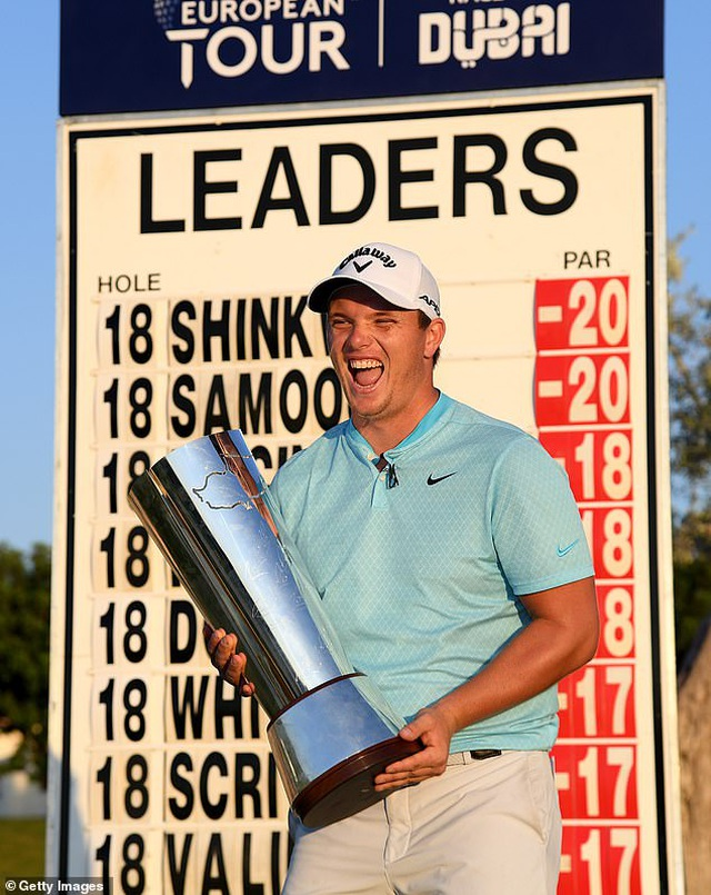 Tay golf giành chức vô địch nhờ cú đánh một triệu lần mới xảy ra - 1