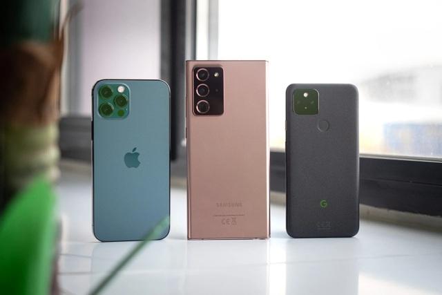 Đọ chất lượng camera trên iPhone 12 Pro, Galaxy Note20 Ultra và Pixel 5 - 1