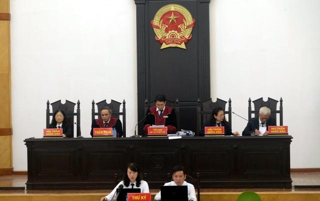 """Đại án BIDV: Hai Phó Tổng Giám đốc """"chia nhau"""" hơn 14 năm tù - 1"""
