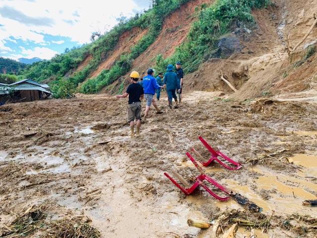 Tìm thấy 9 nạn nhân ở Phước Sơn, trong đó có phó bí thư đoàn xã - 1