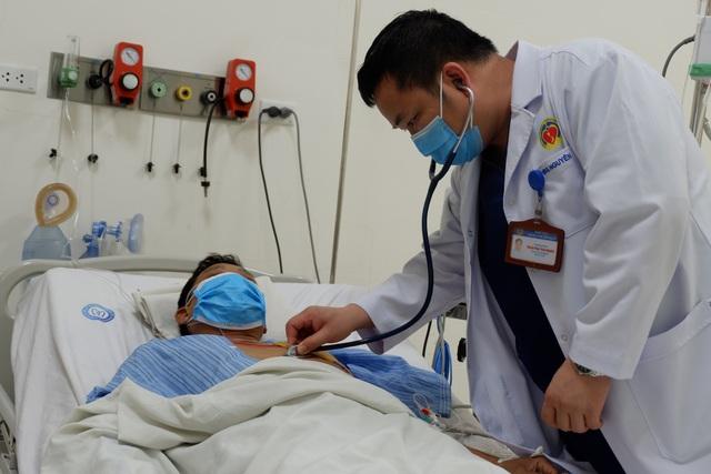 Hà Nội: Nam tài xế 20 năm nghiện thuốc bị nhồi máu cơ tim ngay trên đường - 3