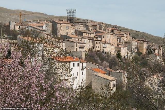 Ngôi làng tuyệt đẹp của Ý chu cấp hơn 1 tỷ đồng cho mỗi người đến sống ở đó - 2