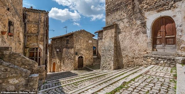 Ngôi làng tuyệt đẹp của Ý chu cấp hơn 1 tỷ đồng cho mỗi người đến sống ở đó - 4