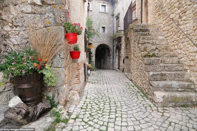 Ngôi làng tuyệt đẹp của Ý chu cấp hơn 1 tỷ đồng cho mỗi người đến sống ở đó - 5