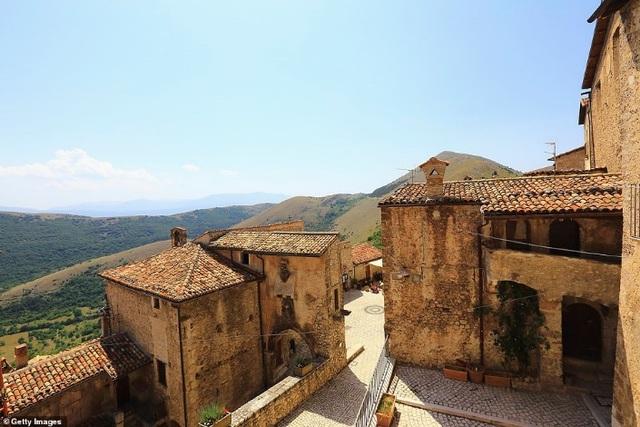Ngôi làng tuyệt đẹp của Ý chu cấp hơn 1 tỷ đồng cho mỗi người đến sống ở đó - 6