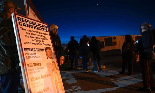 Người Mỹ đi bỏ phiếu từ tờ mờ sáng - 4