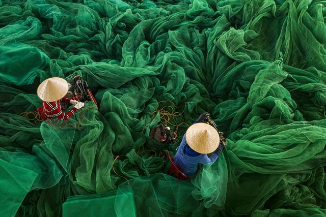 Những khoảnh khắc đẹp xao lòng của Việt Nam qua góc nhìn nhiếp ảnh - 4