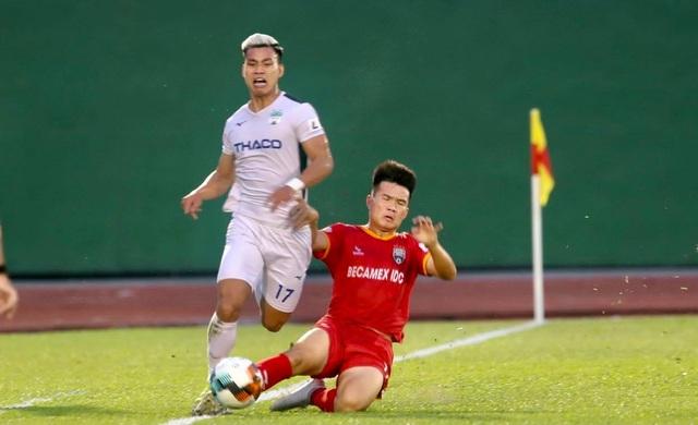Dẫn trước hai bàn, HA Gia Lai vẫn thua ngược B.Bình Dương - 4
