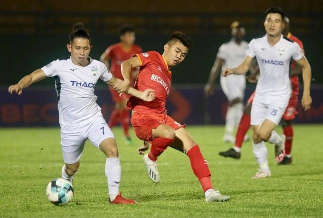 Dẫn trước hai bàn, HA Gia Lai vẫn thua ngược B.Bình Dương - 3