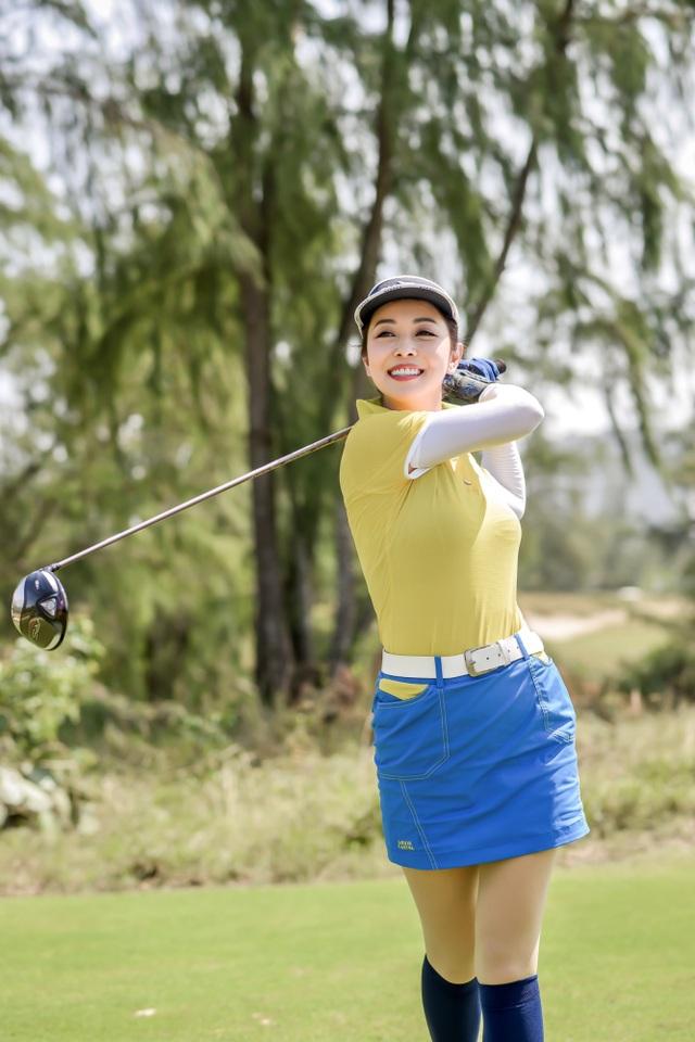 Hoa hậu Ngọc Hân, Jennifer Phạm thi đấu golf quyên góp ủng hộ miền Trung - 3