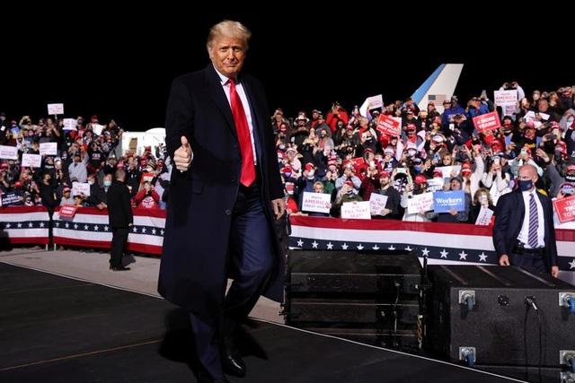 Bầu cử Mỹ 2020: Đặt cược kỷ lục 5 triệu USD cho ông Trump thắng cử - 1