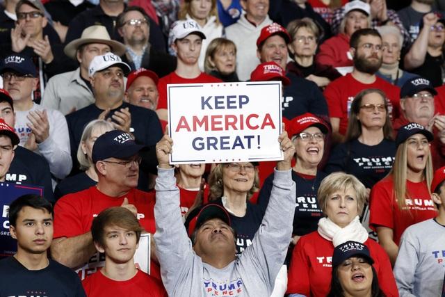 Sự chia rẽ trong lòng nước Mỹ: Con trai từ mẹ vì bỏ phiếu cho ông Trump - 1