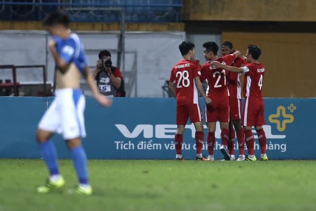 Thắng nhẹ Than Quảng Ninh, CLB Viettel tiến dần ngôi vô địch - 1