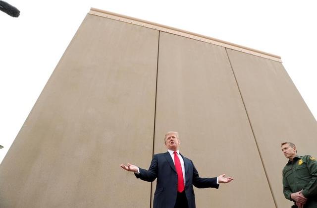 Nhiệm kỳ đầy sóng gió của Tổng thống Trump (1) - 11