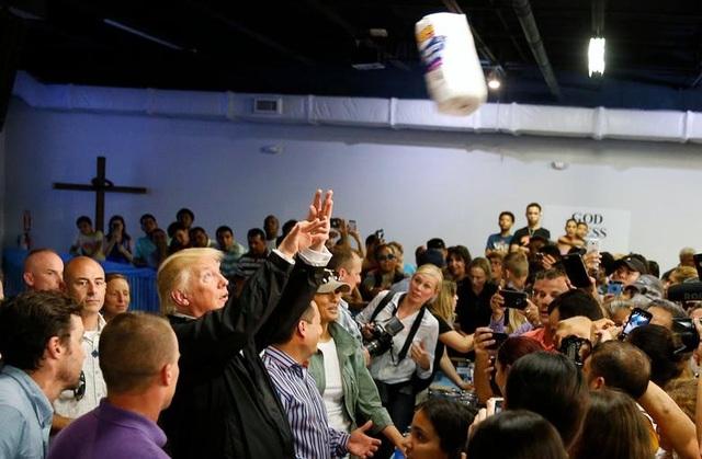Nhiệm kỳ đầy sóng gió của Tổng thống Trump (1) - 8