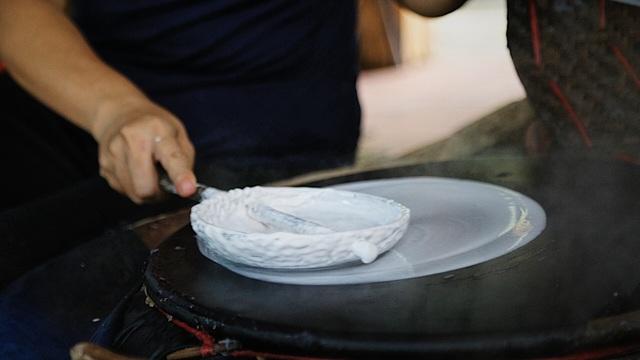 Làm giàu từ nghề bánh tráng truyền thống ở Sài Gòn - 4