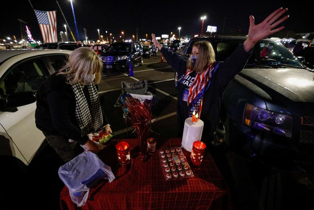 Bầu cử gay cấn, người Mỹ thâu đêm chờ kết quả - 13