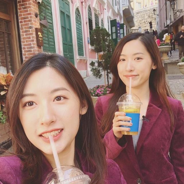 Cặp song sinh xinh đẹp nổi tiếng Trung Quốc tốt nghiệp Harvard giờ ra sao? - 6