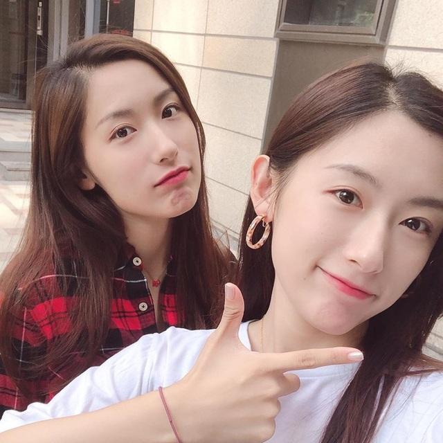 Cặp song sinh xinh đẹp nổi tiếng Trung Quốc tốt nghiệp Harvard giờ ra sao? - 7