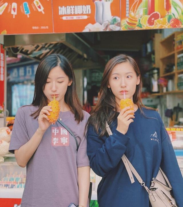 Cặp song sinh xinh đẹp nổi tiếng Trung Quốc tốt nghiệp Harvard giờ ra sao? - 8