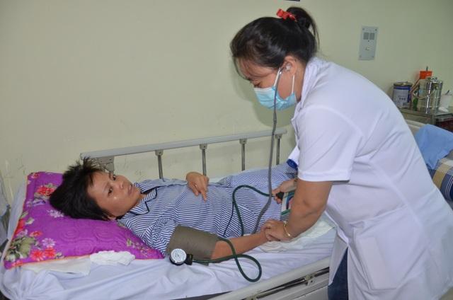 Số phận nghiệt ngã của người phụ nữ đau đớn mất con, nằm liệt giường - 1