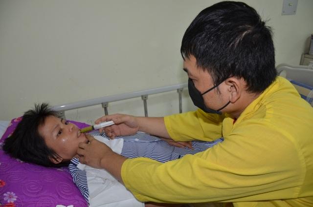 Số phận nghiệt ngã của người phụ nữ đau đớn mất con, nằm liệt giường - 2