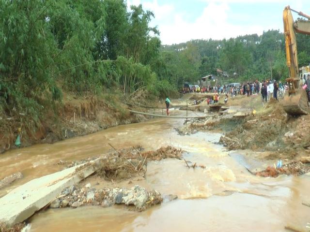 Hạ tầng giao thông Quảng Trị thiệt hại hơn 300 tỷ đồng vì mưa lũ - 4