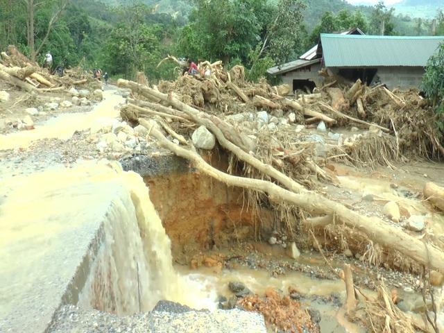 Hạ tầng giao thông Quảng Trị thiệt hại hơn 300 tỷ đồng vì mưa lũ - 2