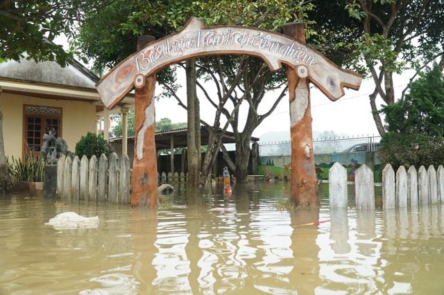 Ngành Giáo dục Nghệ An thiệt hại hơn 15 tỷ đồng do mưa lũ - 1