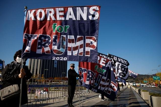 Thế giới thấp thỏm chờ cuộc đua Trump - Biden ngã ngũ - 5