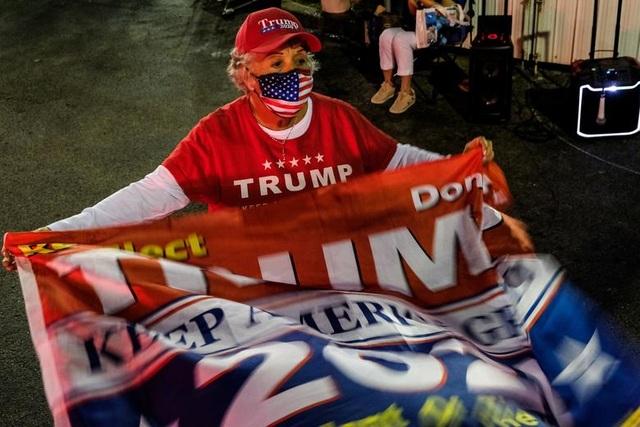 """Nước Mỹ """"nín thở"""" chờ kết quả bầu cử - 7"""